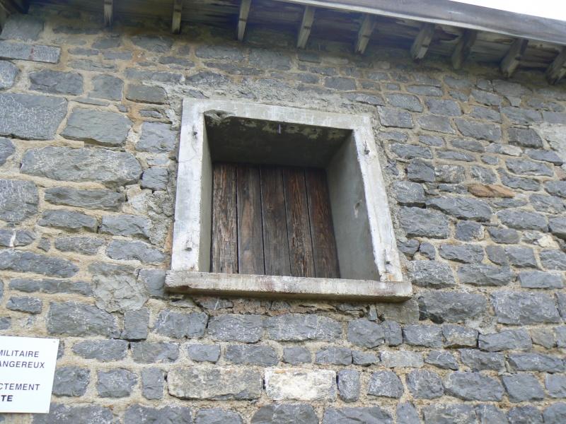 bunker dans la région alpes de haute provence P1030840