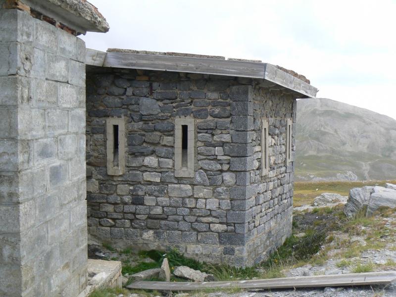 bunker dans la région alpes de haute provence P1030844