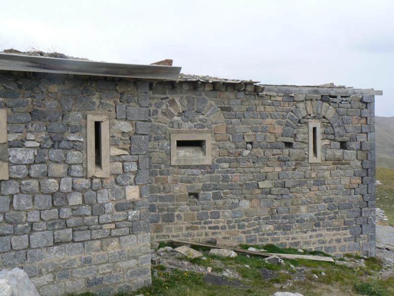 bunker dans la région alpes de haute provence P1030852
