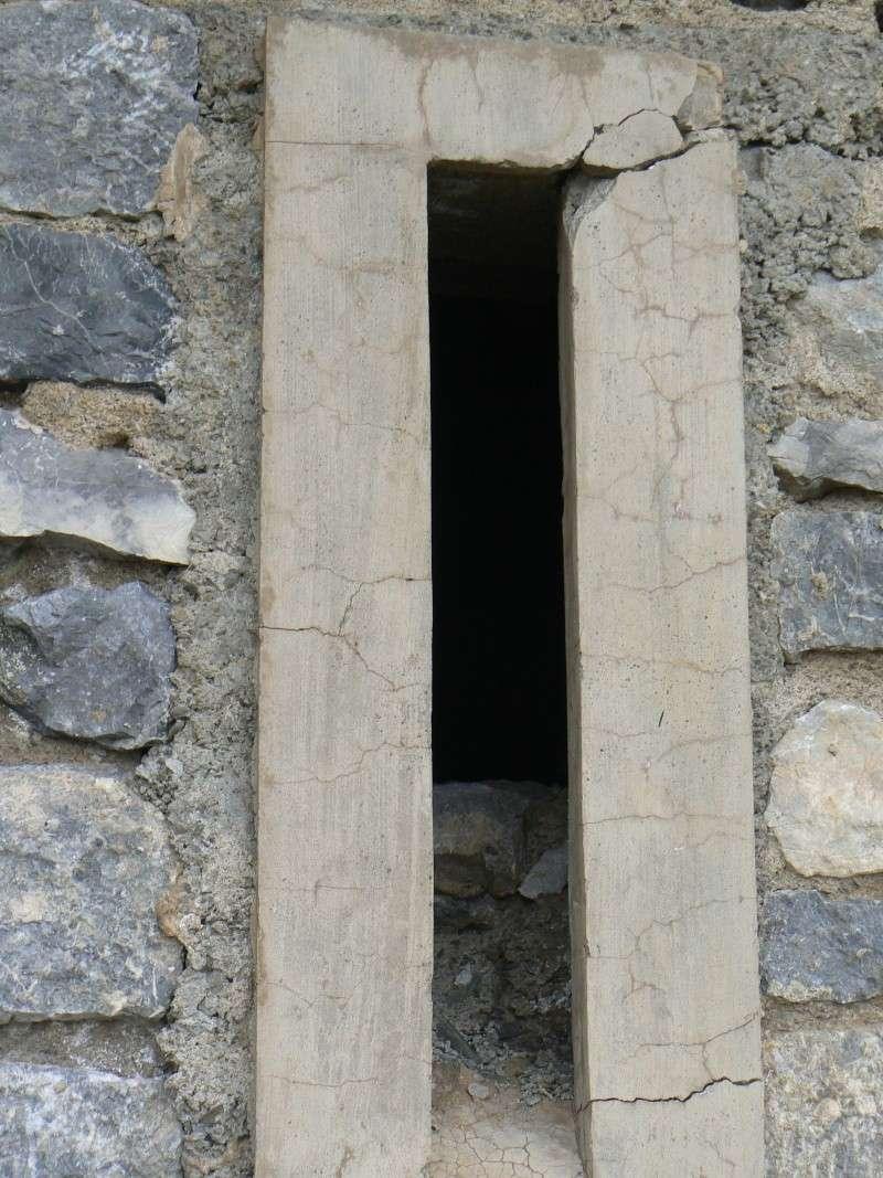 bunker dans la région alpes de haute provence P1030853