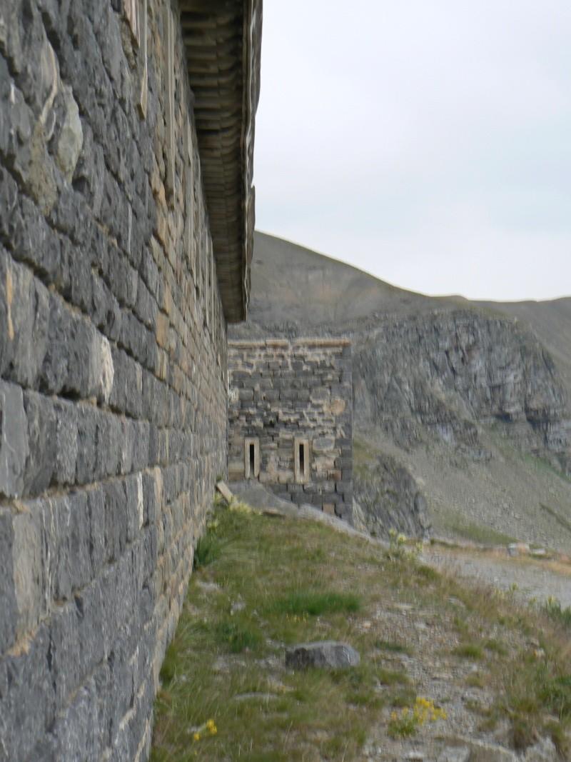 bunker dans la région alpes de haute provence P1030854