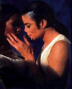 In the closet ... Michael et Naomi ... ♥♥♥ 5610