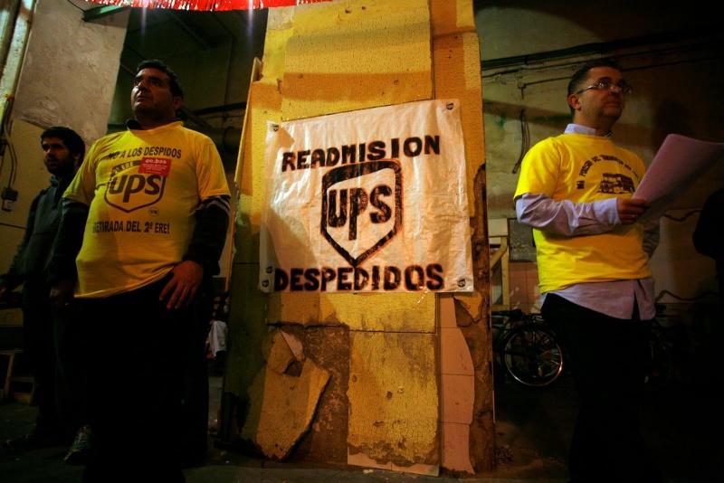 """Fotos de la asamblea de trabajadores y delegados de la Plataforma """"Hay que pararles los pies"""" Asambl15"""