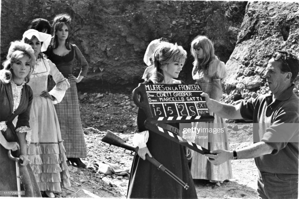 Le triomphe des 7 desperadas - Las siete magníficas - 1966 - Sidney W. Pink , Gian Franco Parolini ... - Page 2 Gettyi13