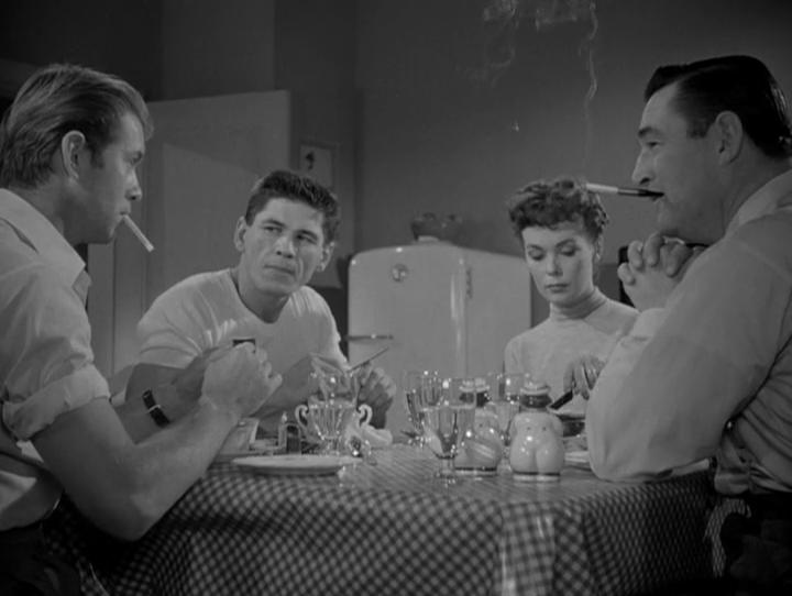 Chasse au gang. Crime Wave. 1953. André De Toth. Vlcsn178