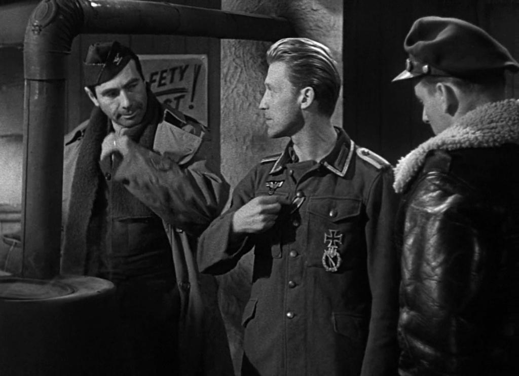 Le Traître. Decision before Dawn. 1951. Anatole Litvak. Vlcsn972