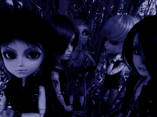 Topic COMMUN Mingrecords & Straylittledevil (Sebastian-Rayne-Andrew-Arion-Maguna-Tantus-Richt) ==> Dolls visiting Versailles ^^ 16-04-12