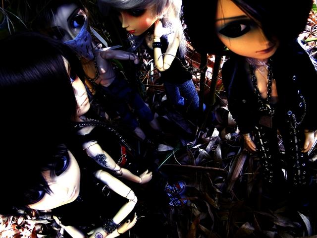 Topic COMMUN Mingrecords & Straylittledevil (Sebastian-Rayne-Andrew-Arion-Maguna-Tantus-Richt) ==> Dolls visiting Versailles ^^ 16-04-13