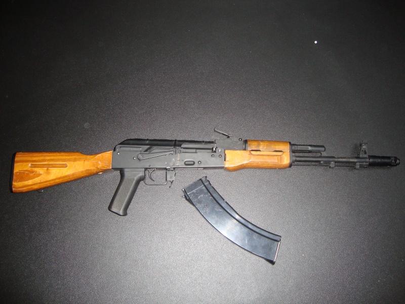 AK 47 Cyma Dsc08510