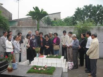 Viếng mộ liệt sĩ Bùi Đức Lưu Lu3_2810