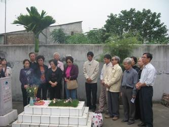 Viếng mộ liệt sĩ Bùi Đức Lưu Lu5_2810