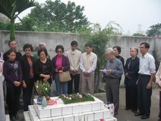 Viếng mộ liệt sĩ Bùi Đức Lưu Lu6_2810