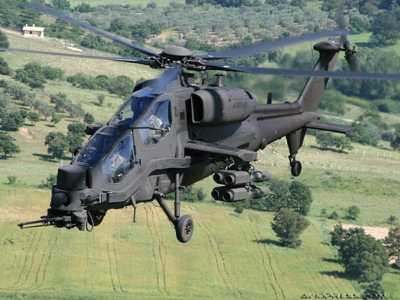 Hélicoptères de combats - Page 4 Avp09810