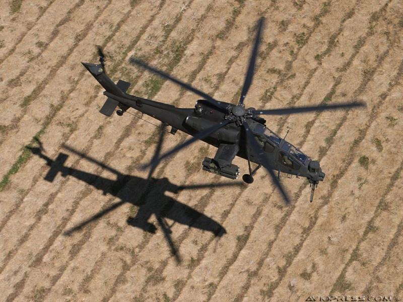 Hélicoptères de combats - Page 4 Avp12310