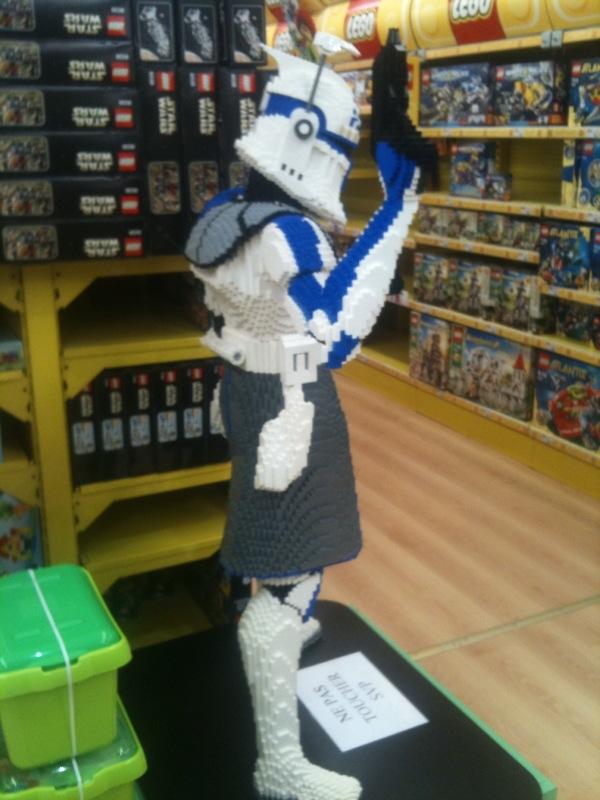 Les créations LEGO sur le NET Rex_le11