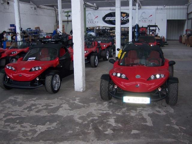Visite  de deux gamins à l'usine  SECMA  ANICHE 59. le 23/11/2010 100_1922