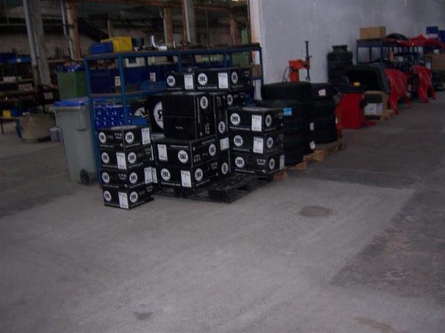 Visite  de deux gamins à l'usine  SECMA  ANICHE 59. le 23/11/2010 100_1924