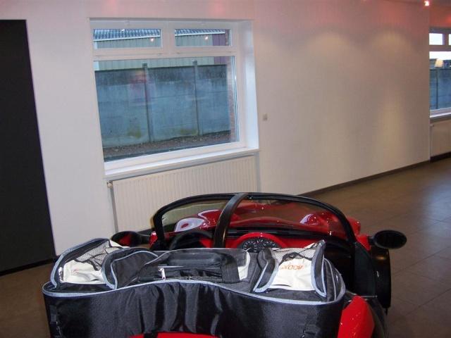 Visite  de deux gamins à l'usine  SECMA  ANICHE 59. le 23/11/2010 100_2011