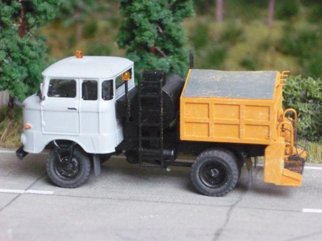 W50 Straßenunterhaltungsfahrzeug Fo-0110