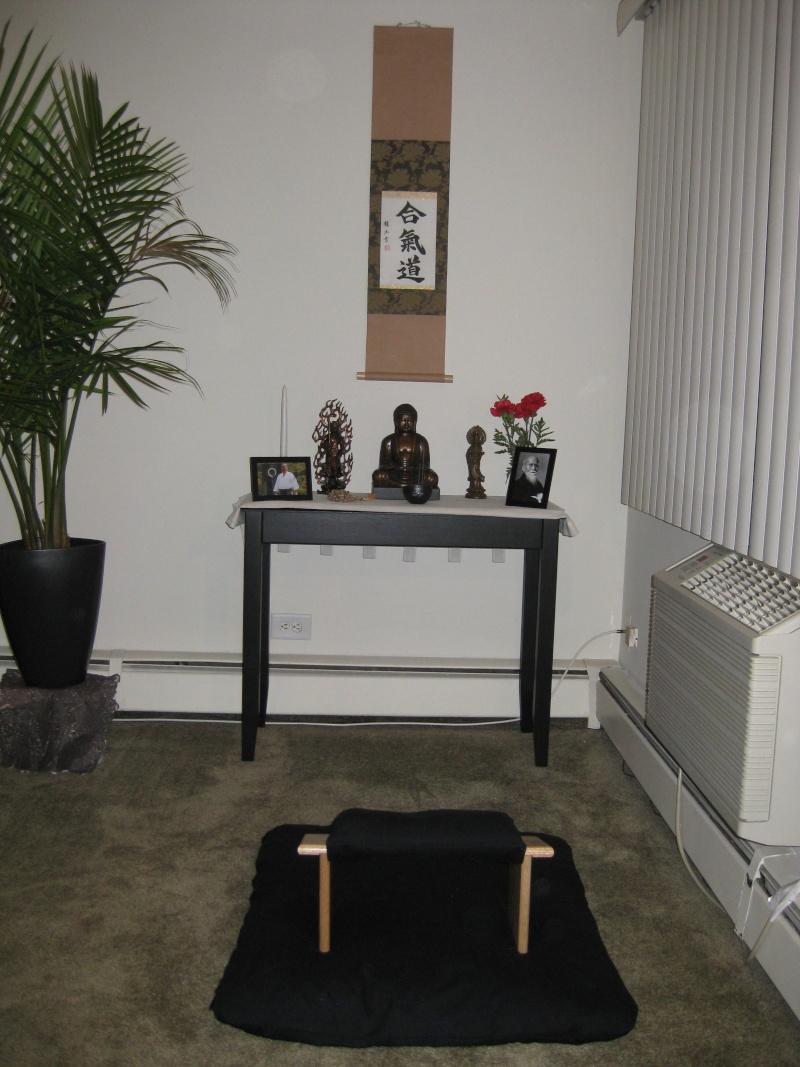 Customer Scroll in Zen Meditation Area Final_10