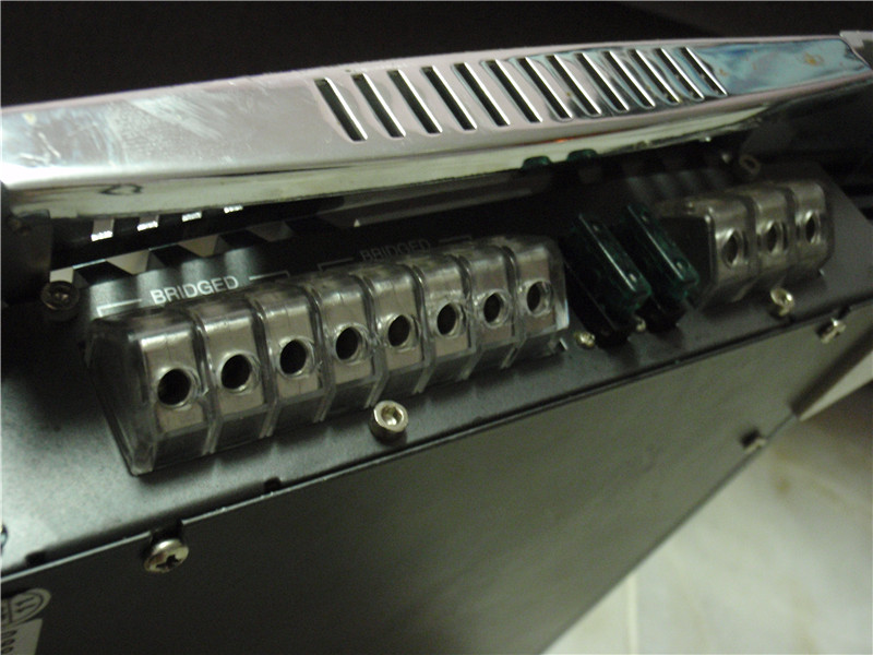 av quaet poweramp 3600watts P3290018