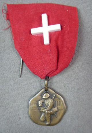 Anciennes médailles suisses 39-45 Captur64