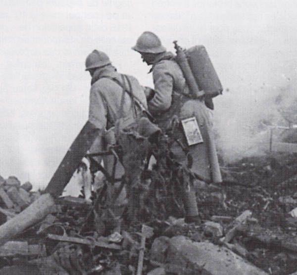 Bombonne de gaz datée 1916 F6a33610