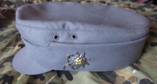 Plusieurs calots , bérets et casquettes à identifier  Img_0511