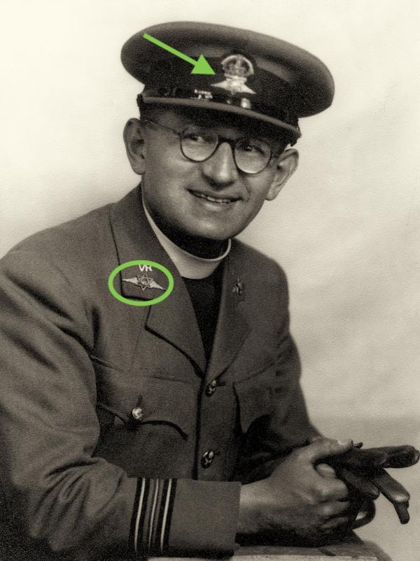 Echarpe (religieuse) RAF ww2 ?  Medium10