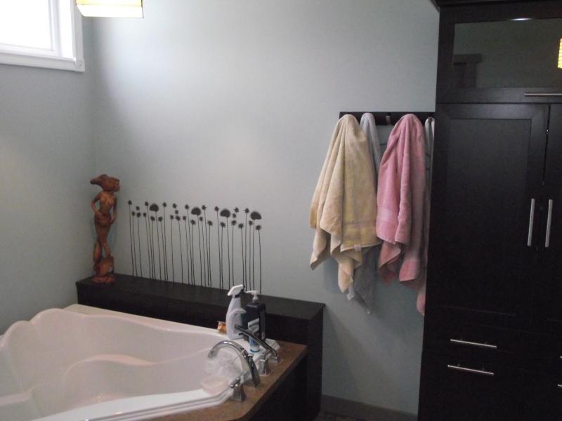 salle de bain sans fen tre quelle couleur choisir. Black Bedroom Furniture Sets. Home Design Ideas