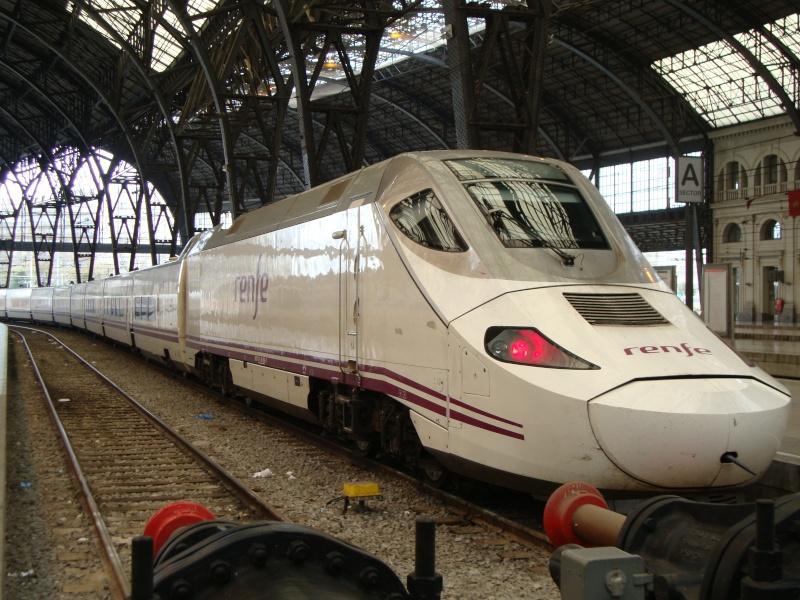 Gare de Barcelone (une des gares) Dsc00710