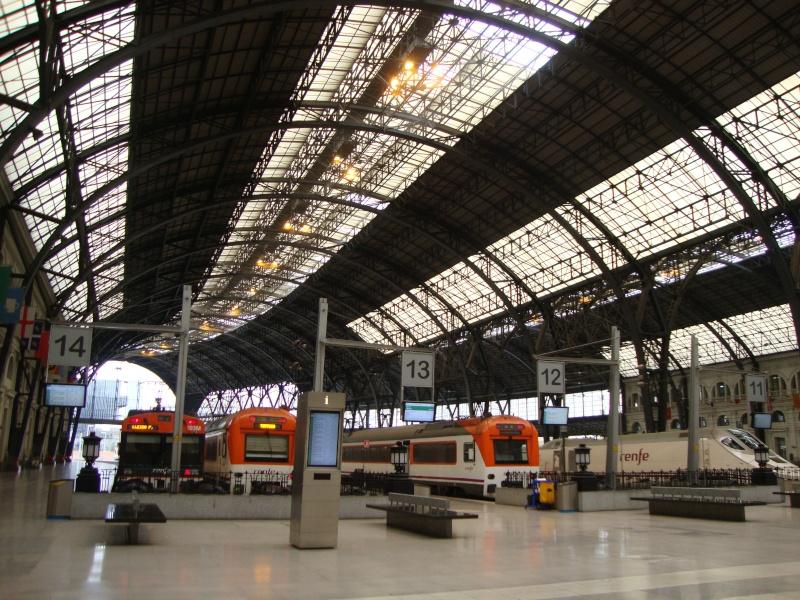 Gare de Barcelone (une des gares) Dsc00712