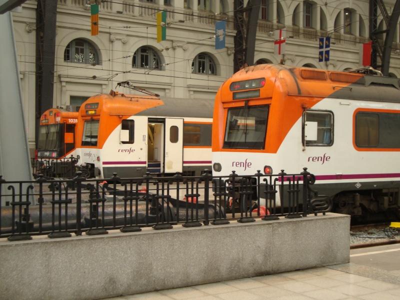 Gare de Barcelone (une des gares) Dsc00714