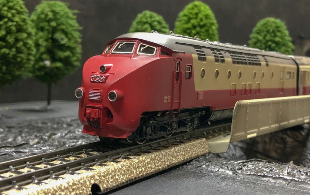 """Réseau type """"Just Train"""" pour vitrine - Page 2 Tee_3010"""