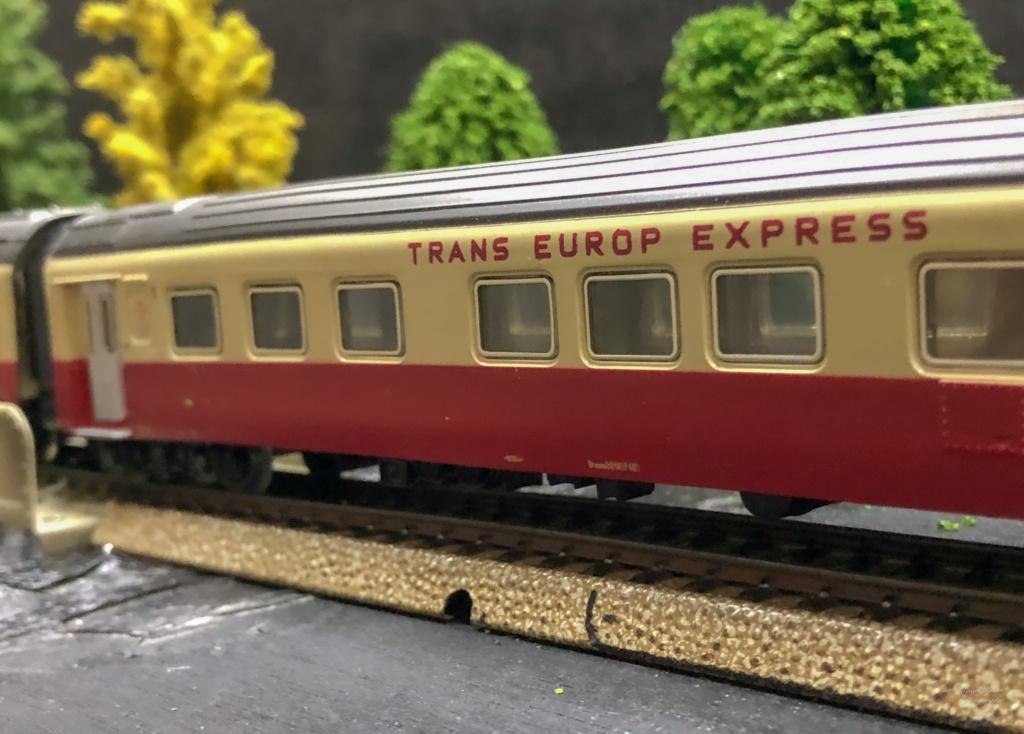 """Réseau type """"Just Train"""" pour vitrine - Page 2 Tee_3013"""