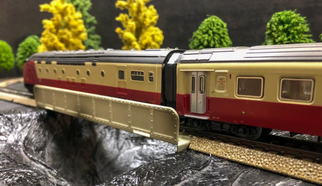 """Réseau type """"Just Train"""" pour vitrine - Page 2 Tee_3015"""