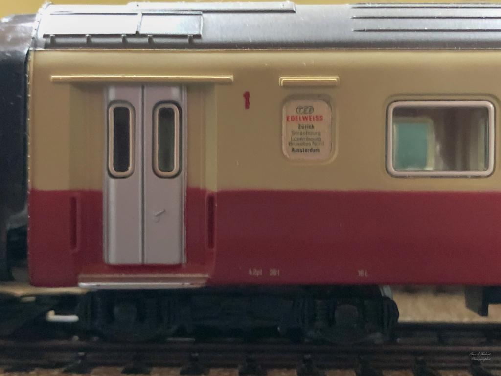 """Réseau type """"Just Train"""" pour vitrine - Page 2 Tee_3023"""