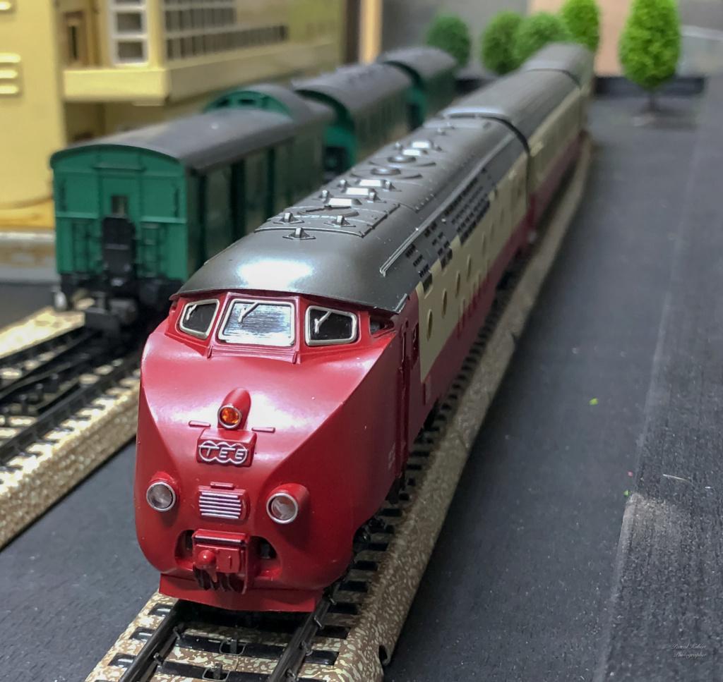 """Réseau type """"Just Train"""" pour vitrine - Page 2 Tee_3025"""