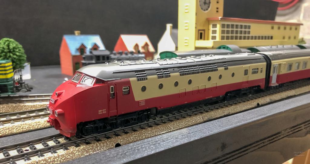 """Réseau type """"Just Train"""" pour vitrine - Page 2 Tee_3027"""