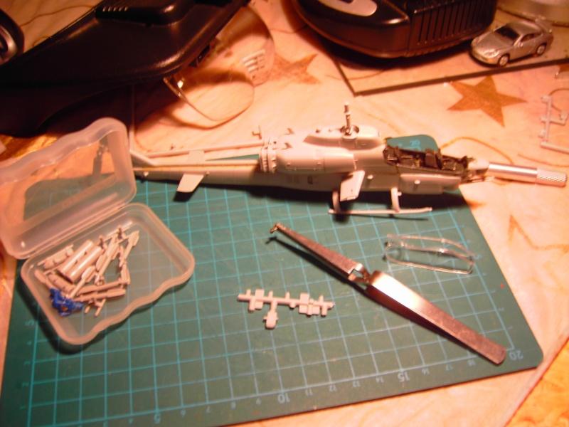 Super Cobra AH-1W 1-72 von Revell. Pict0316
