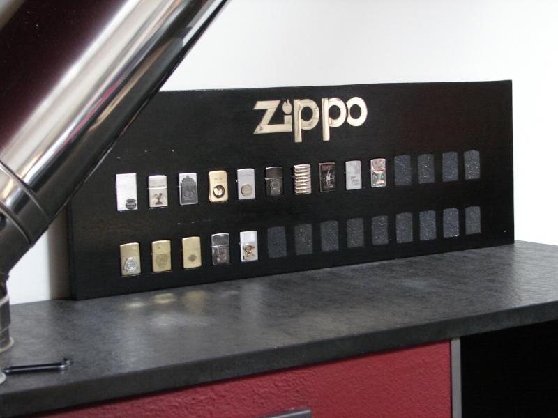 présentoir Zippo terminé Presen11