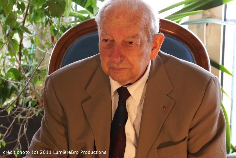 Le général Lucien Le Boudec (décédé) Genera11
