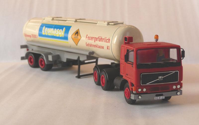 Fahrzeuge von verschieden Kraftverkehrs Betriebe - Seite 3 Leunas10