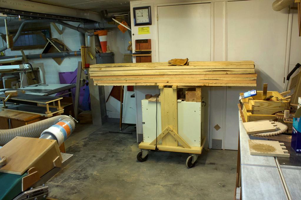 Comment transportez vous-même des planches lourdes à travers l'atelier? 32_en_10