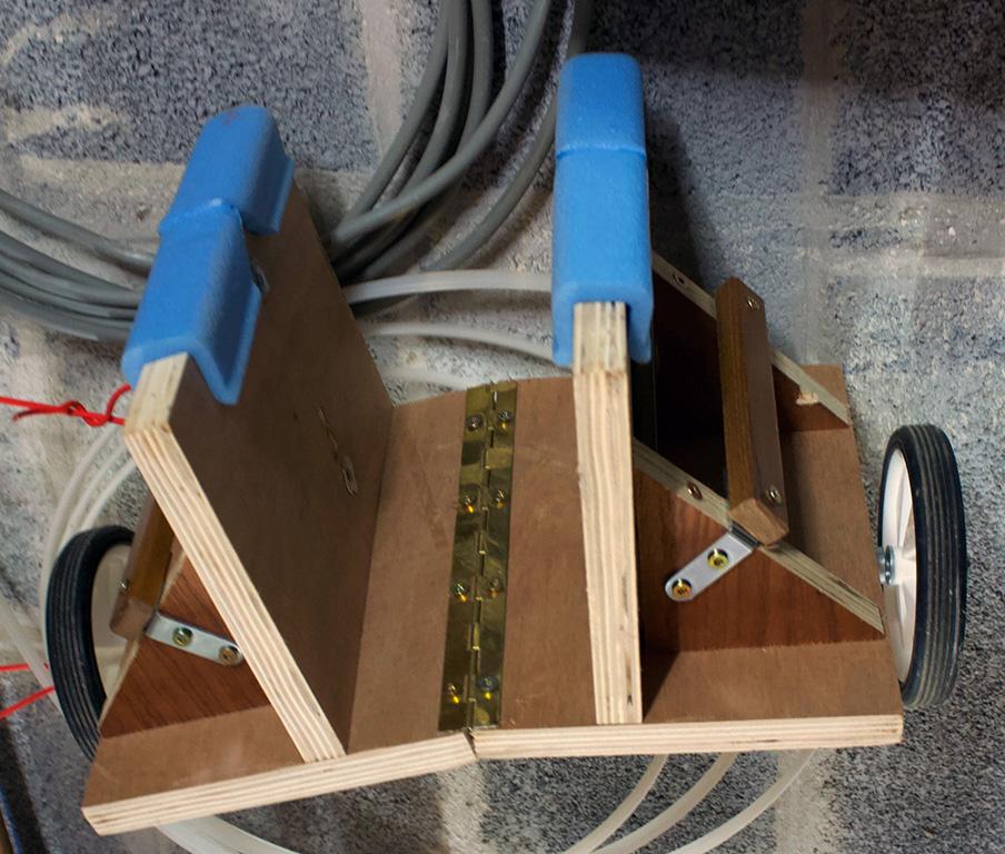 Comment transportez vous-même des planches lourdes à travers l'atelier? Chario10