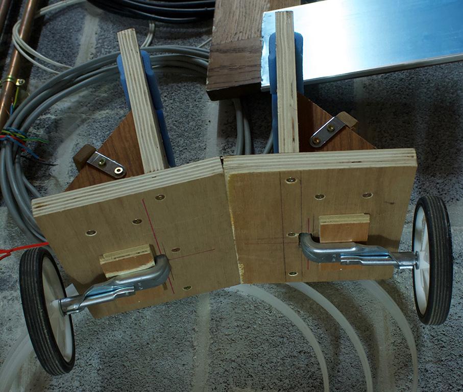 Comment transportez vous-même des planches lourdes à travers l'atelier? Chario11