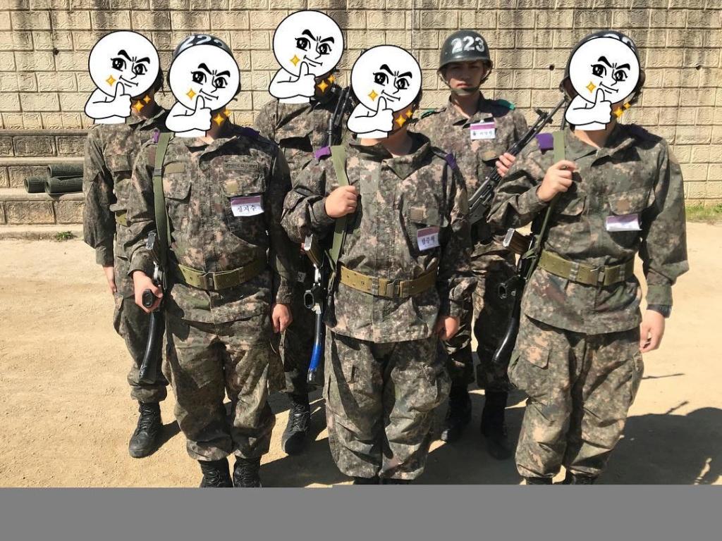 02/10/2018 Primera foto de KAN en su servicio Militar  Xxyocc10