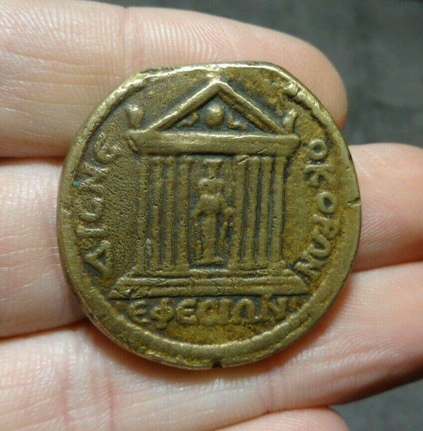 Decassaria Caracalla S-l16011
