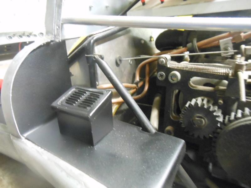 Erik : carrossier voitures miniatures , artisan formeur de tôle - Page 7 Dzocou10