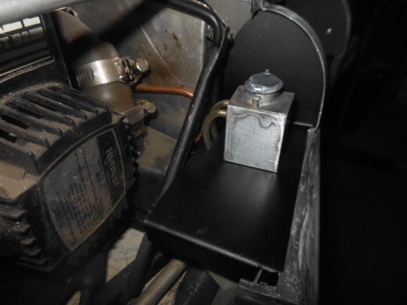 Erik : carrossier voitures miniatures , artisan formeur de tôle - Page 7 Dzocou18
